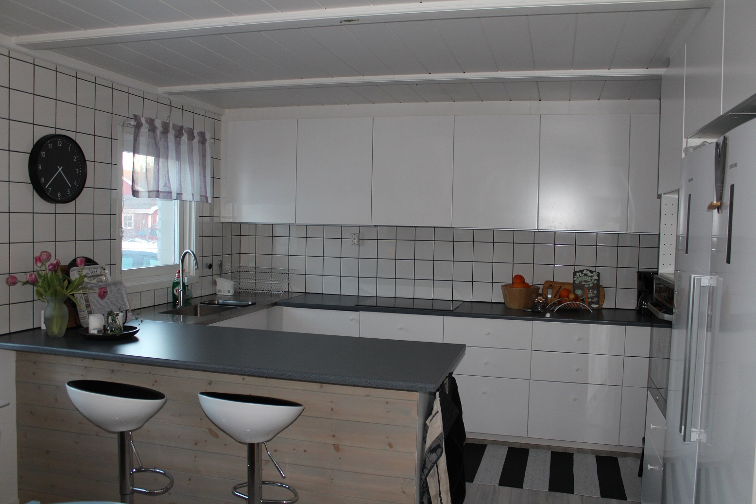 Bilder Pa Kakel Till Kok : ontligen har jag fott till bilder po vort renoverade kok! Det